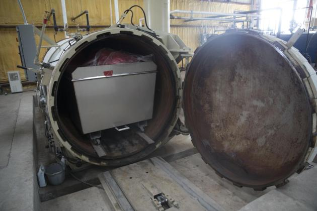 Autoclave with Cart